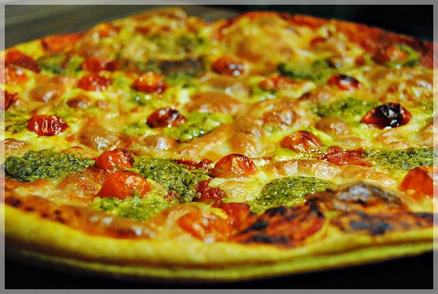 A comer cosas ricas receta express pizza caprese de hojaldre - Que hago de comer rapido y sencillo ...