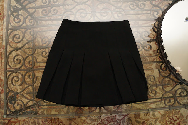 Topshop black pleated skirt