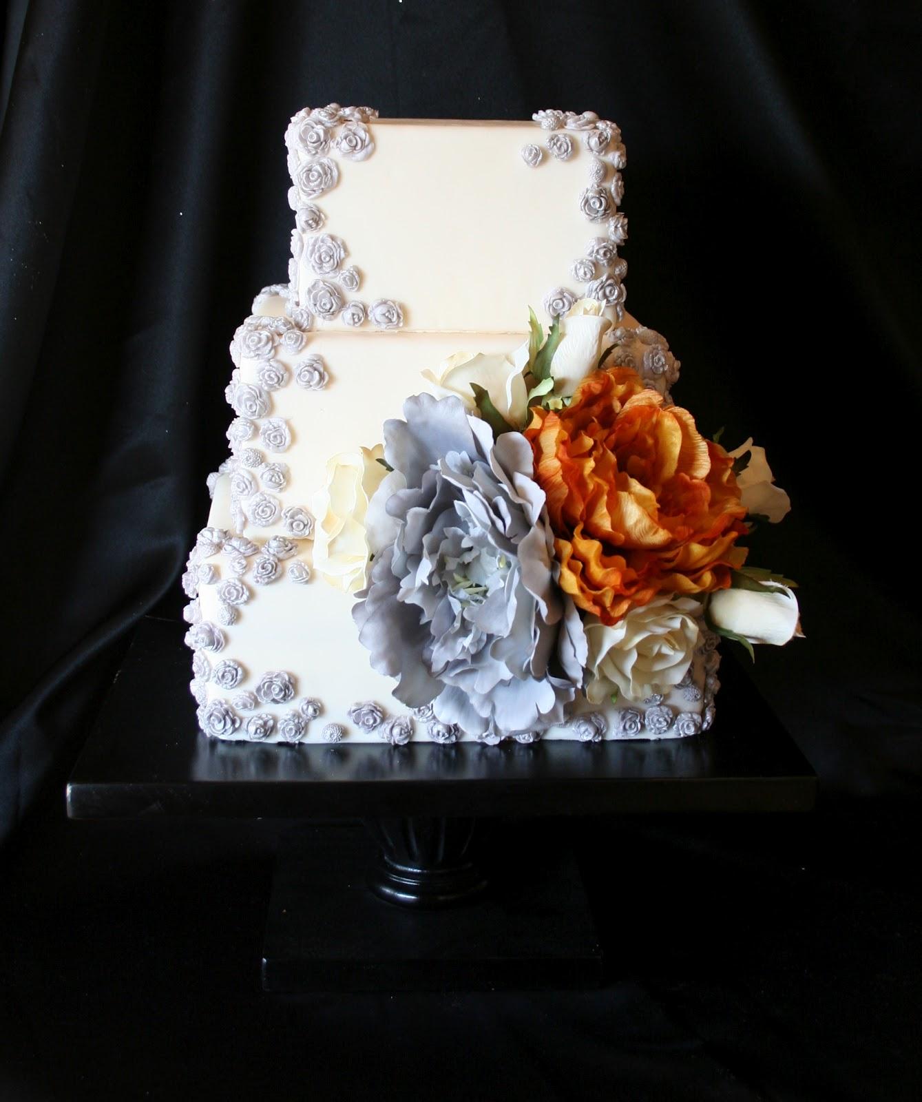 29 Wedding Cakes With Vintage Vibes: The Cake Cottage: Vintage Romance Wedding
