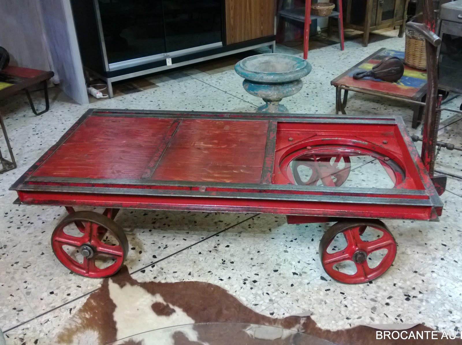 l 39 atelier de philippe table basse industrielle chariot d. Black Bedroom Furniture Sets. Home Design Ideas