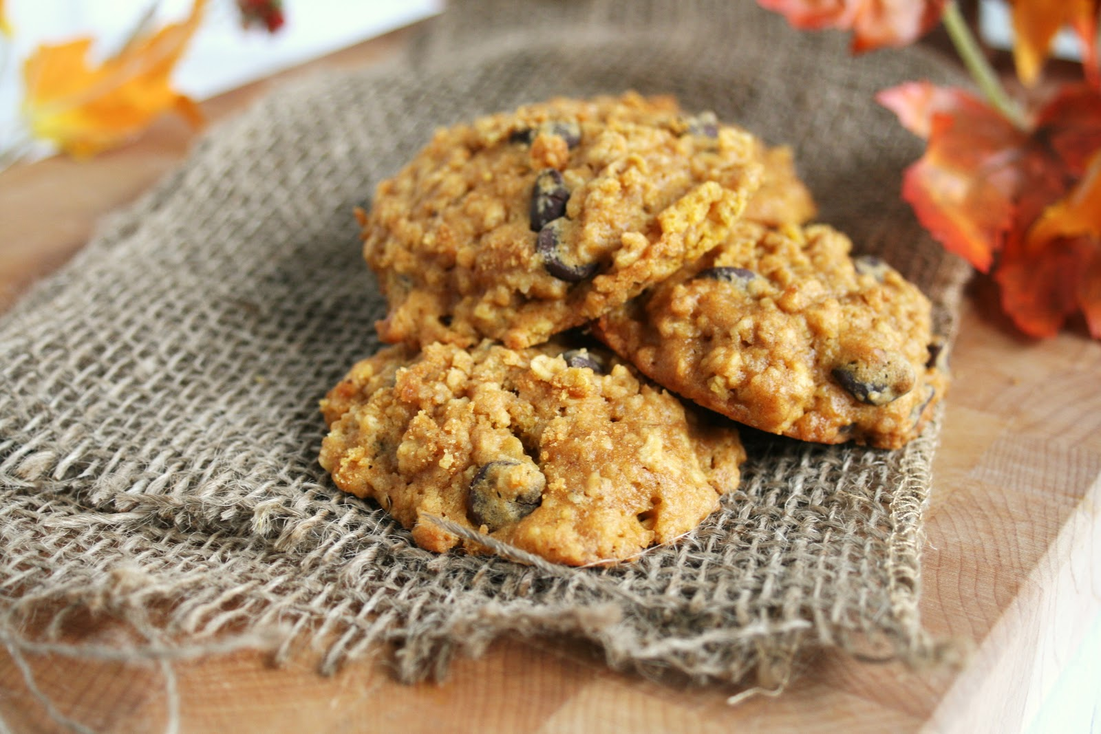 Thee Cook: Browned Butter Oatmeal Pumpkin Chocolate Chip Cookies