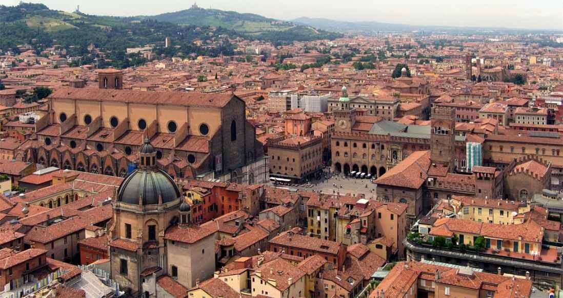 Bolonia, origen de la teoria del titulo y modo