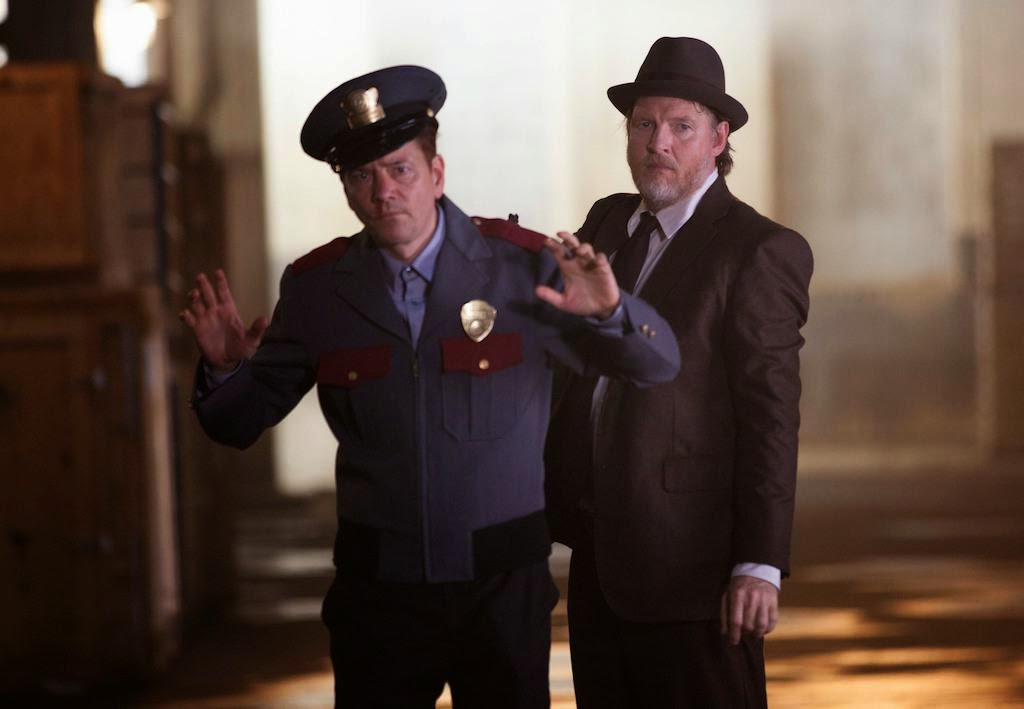 Guest star Frank Whaley as child kidnapper Doug is caught by Donal Logue as Detective Harvey Bullock in Fox Gotham Season 1 Episode 2 Selina Kyle