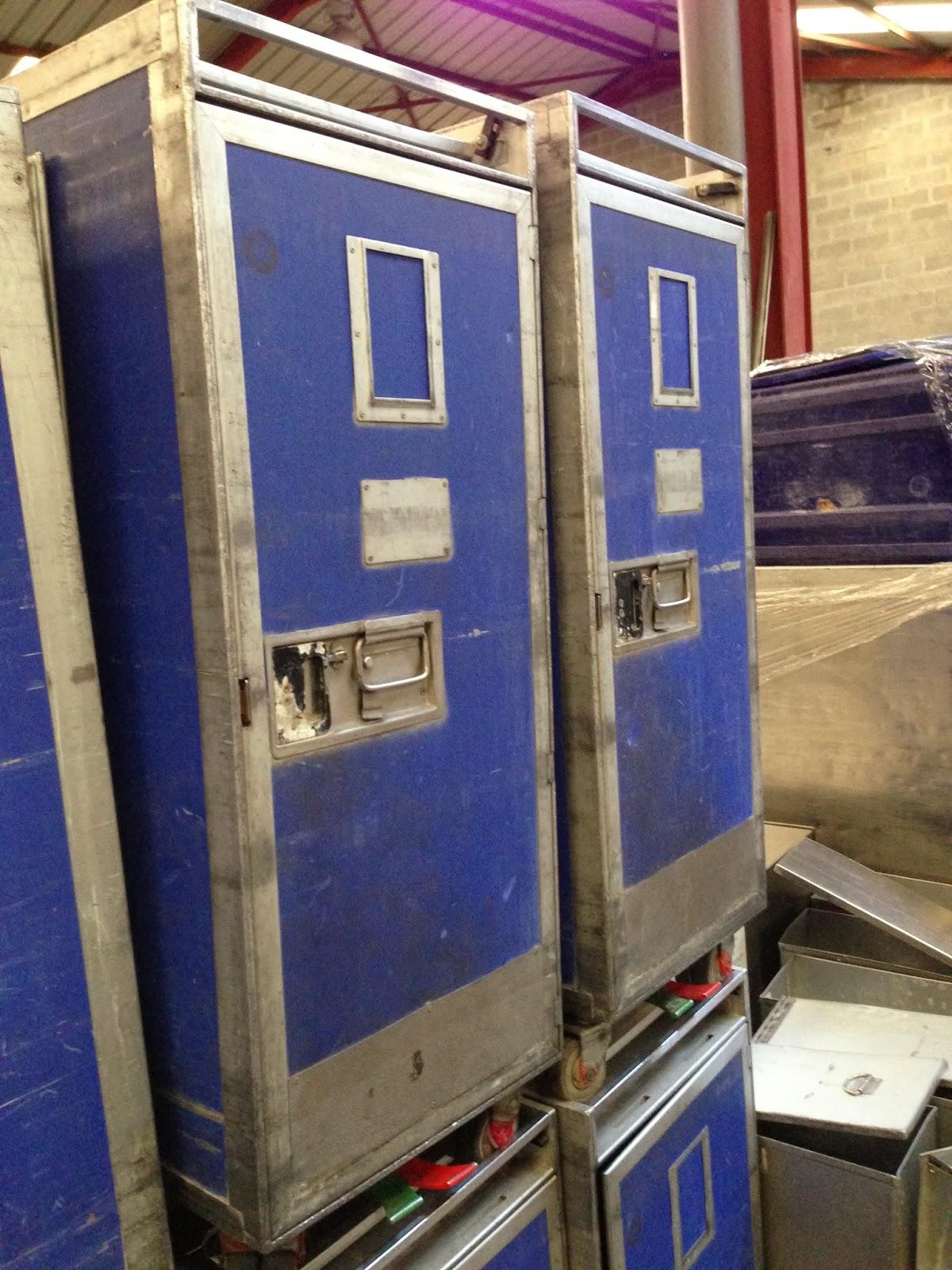 fosmat mat riels d 39 occasion t l 06 09 24 27 76 chariot pour la restauration rapide eurotunnel. Black Bedroom Furniture Sets. Home Design Ideas