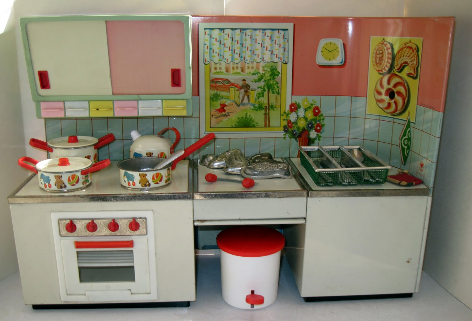 Tracy's Toys (and Some Other Stuff): 1950s German Kitchen Playset