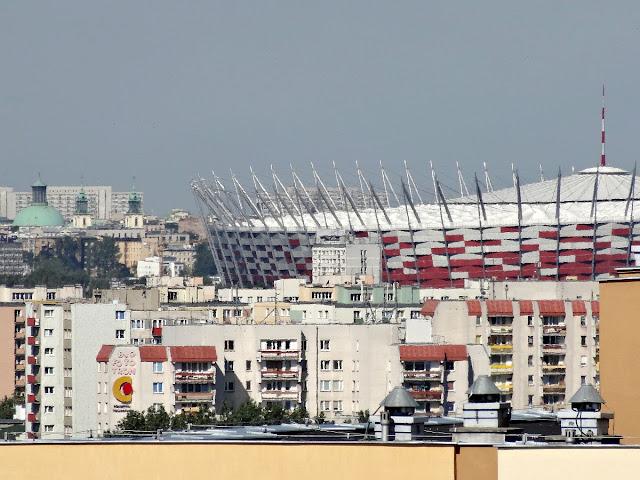 Stadion Narodowy nad dachami Witolina