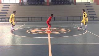 Material: Construção do jogo defensivo nas categorias de base do Futsal