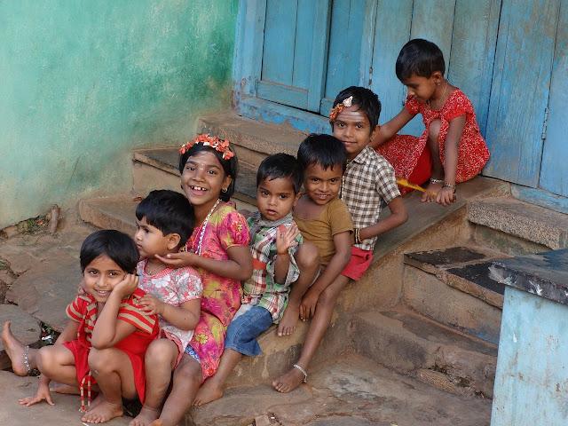 dzieci na kontynentach