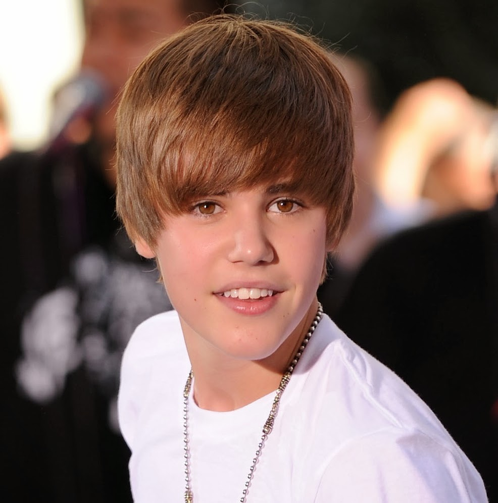 justin bieber young and multi talented canadian singer biography pictures universal fashion. Black Bedroom Furniture Sets. Home Design Ideas