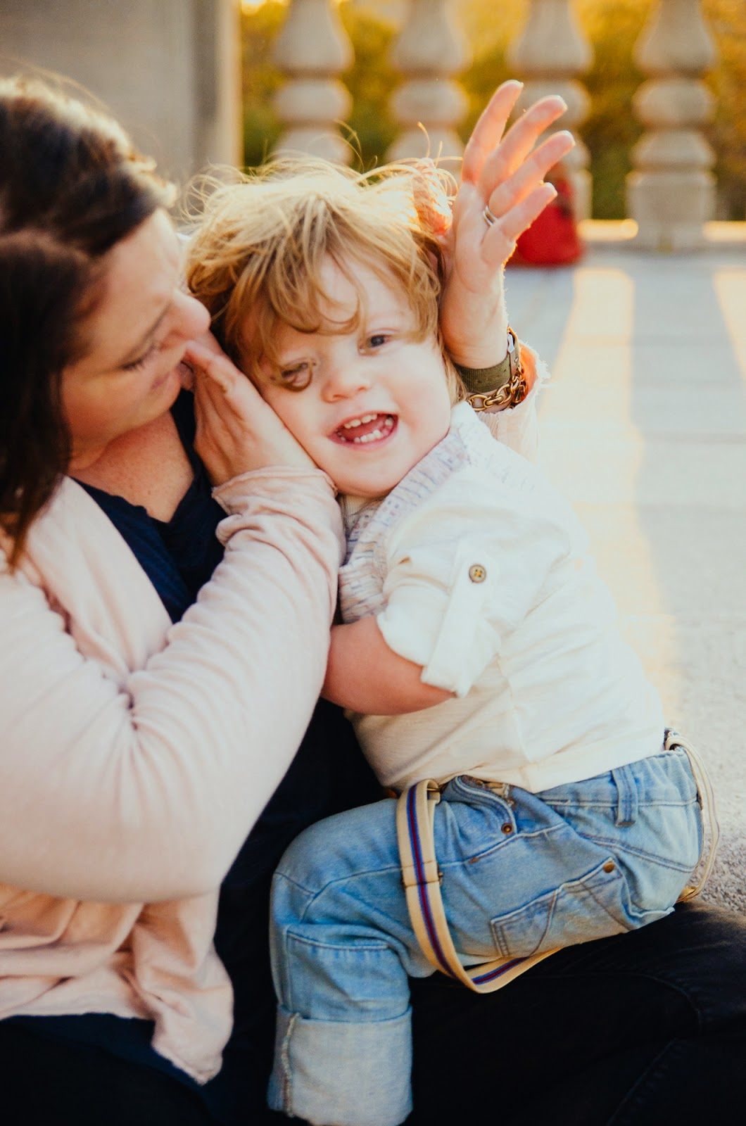 having fun with mommy, indianapolis family photographer