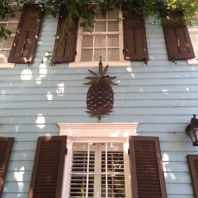 annapolis maryland pineapple house decoration preppy blogger