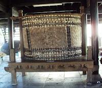 http://fokusaceh.blogspot.com/2012/10/jalan-jalan-ke-museum-aceh.html