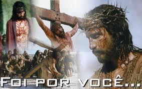 """""""Nunca desista diante de um problema, pois Jesus não desistiu de você..."""""""
