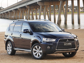Mitsubishi Outlander Pictures
