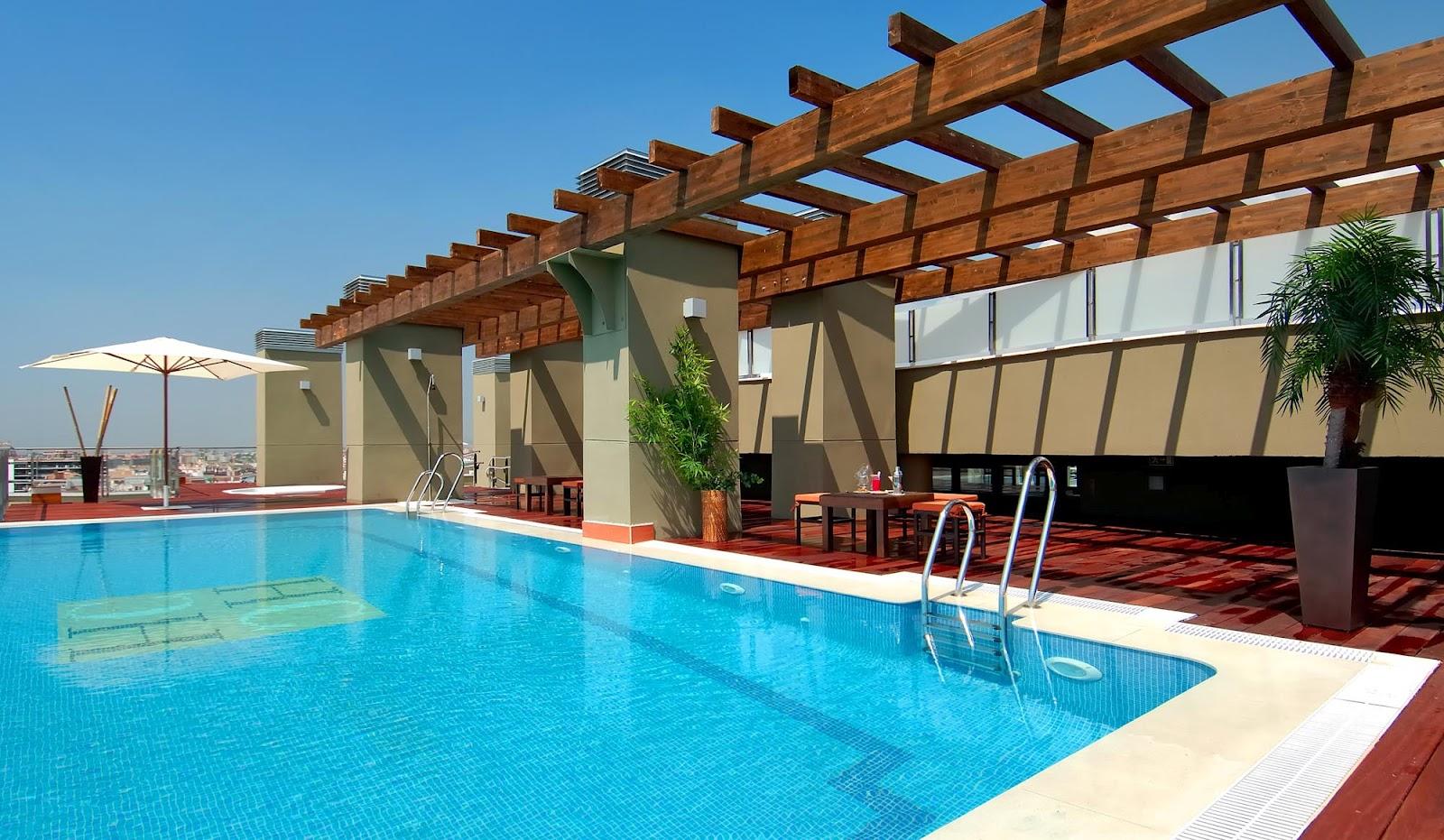 Finde feliz las promociones veraniegas de hoteles center for Hoteles en badajoz con piscina