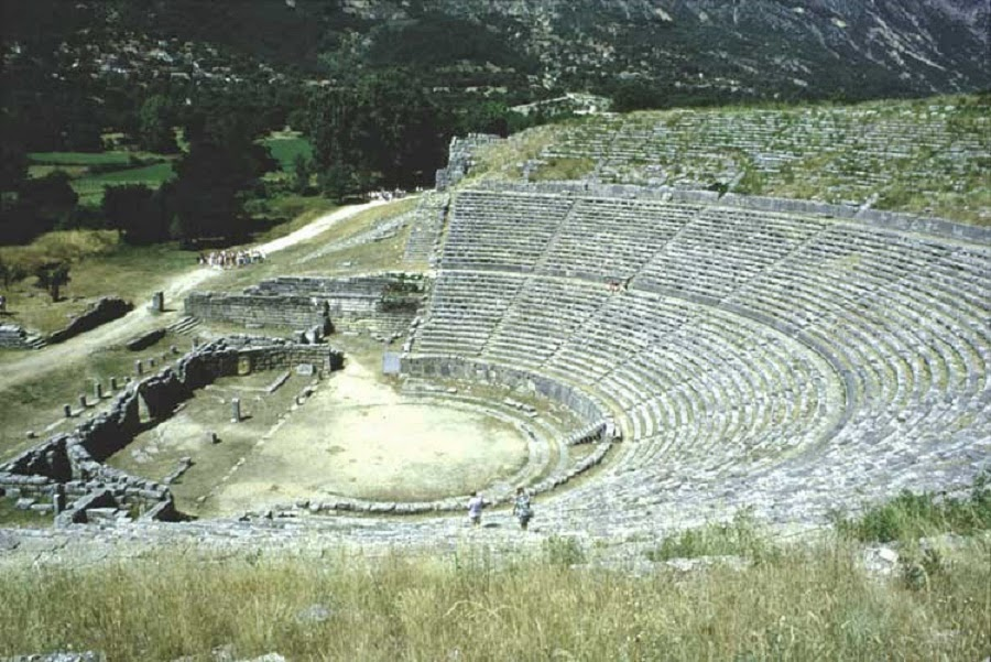 25 ancient theatres, archaeological sites to open soon in Greece