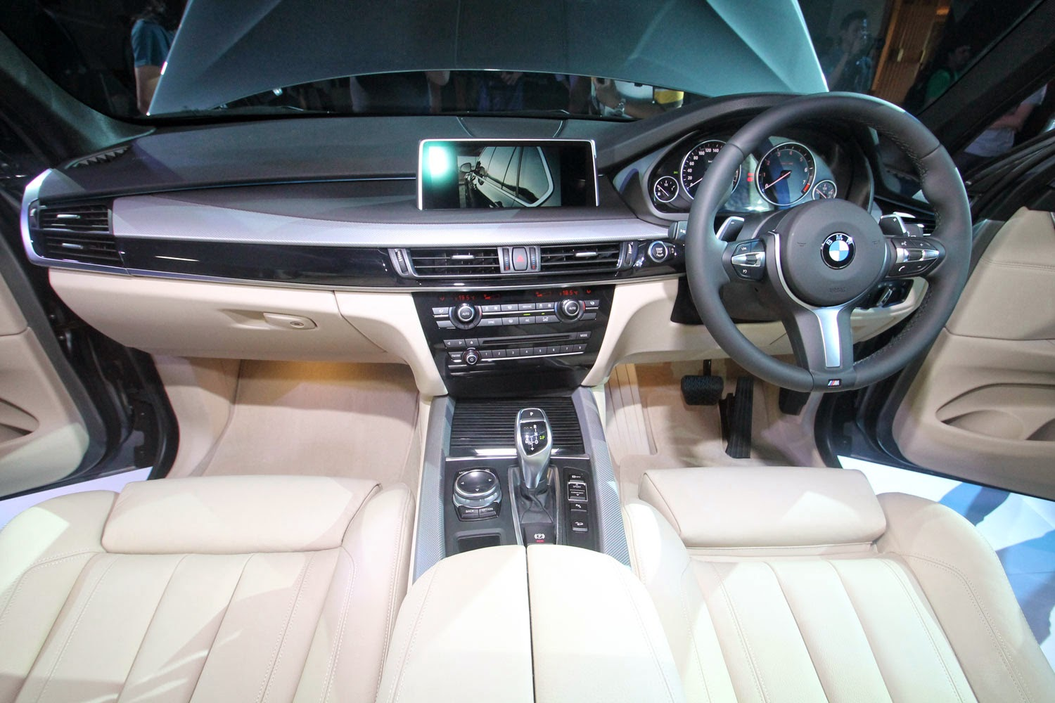 The All- New BMW X5 Sports Activity Vehicle Solutions Complete ... Bmw X Indonesia Interior on bmw 320i indonesia, bmw 323i indonesia, bmw x3 indonesia, honda crv indonesia, range rover evoque indonesia, honda hr-v indonesia,