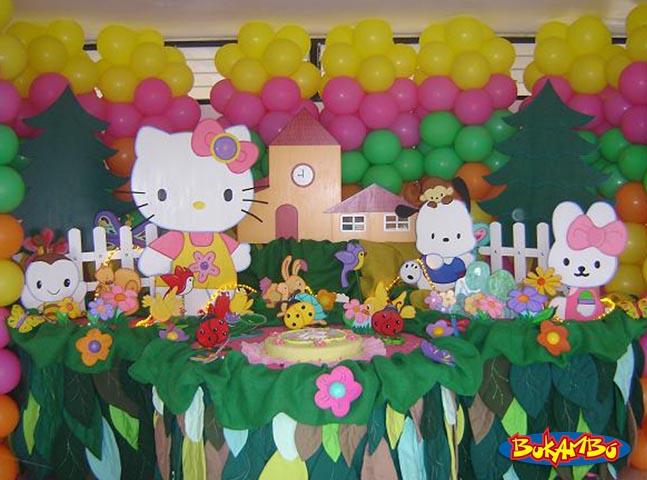suficiente, puedes decorar tu fiesta como se aprecia en esta imagen~ Decoracion Hello Kitty Fiestas Infantiles