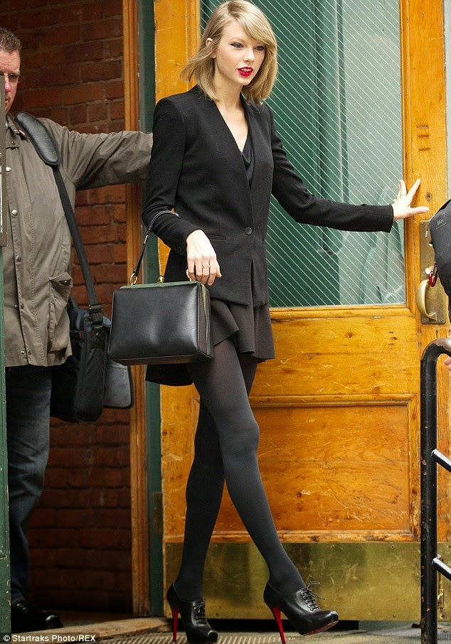 Ah to Be Rich and Beautiful ! Taylor Swift Out on the Town