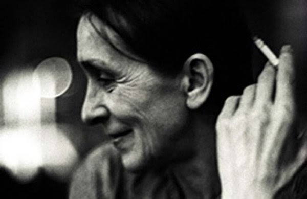 pina dance film essay Here is some writing i did for my final research paper for history/theory/literature ii, a course taught by the incredible dr hannah kosstrin for our final, dr kosstrin allowed us to write about whatever we pleased i wrote about pina bausch and gender, two topics that i am deeply interested in right now.