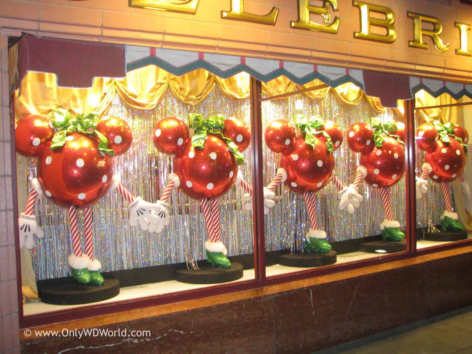 Christmas Decorations At Disney World Hotels : Walt disney world resort christmas fun facts