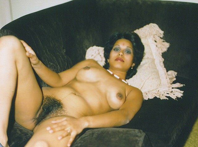 zooooom into indian pussy   indian pakistani nepali nude girls