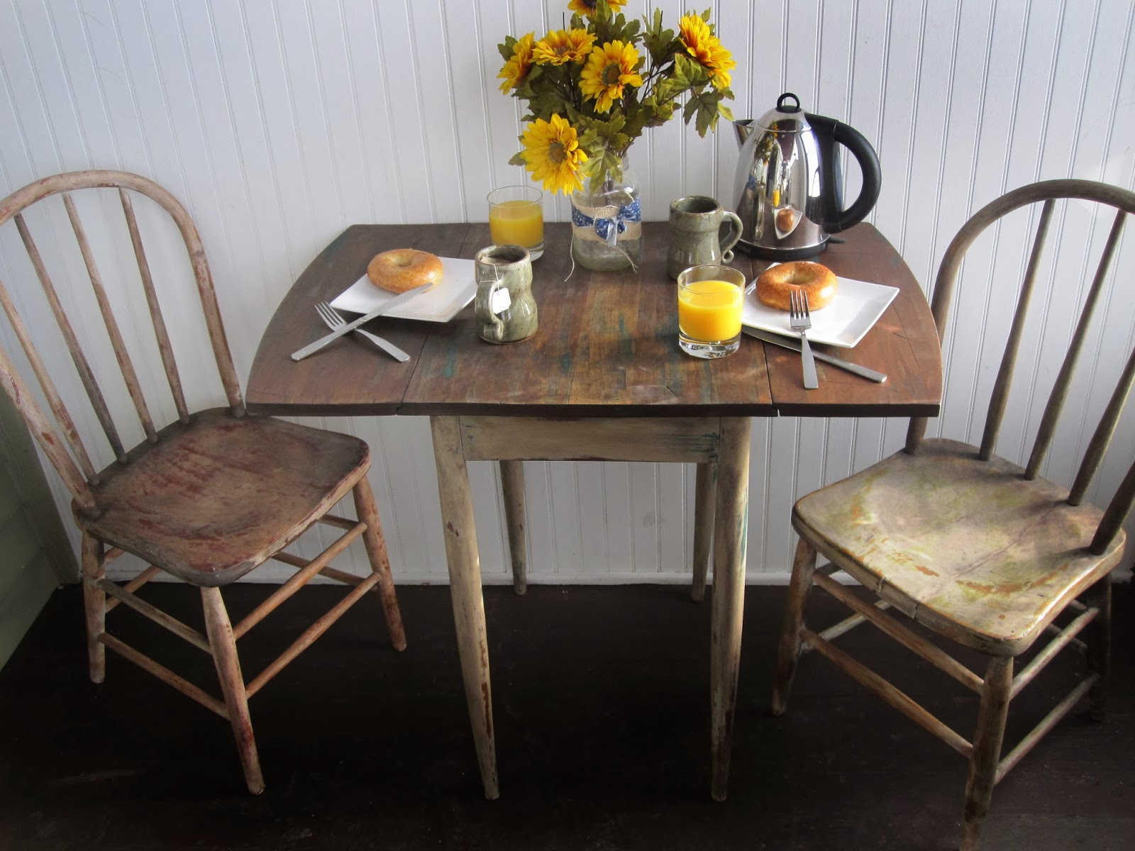 Chubby junk two person dining set dining table and chairs - Small two person dining table ...