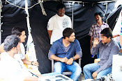 Race Gurram Movie Working Stills-thumbnail-5