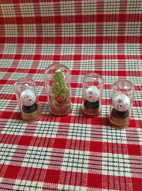 Teeny Tiny Domes...Tree (1), Snow Globes (3) $5 each.
