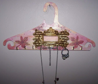 Decorated wooden jewelry hanger 1