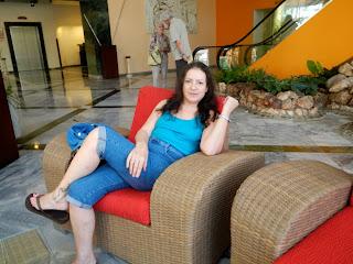 Santiago de Cuba Kat in lobby of Hotel Melia