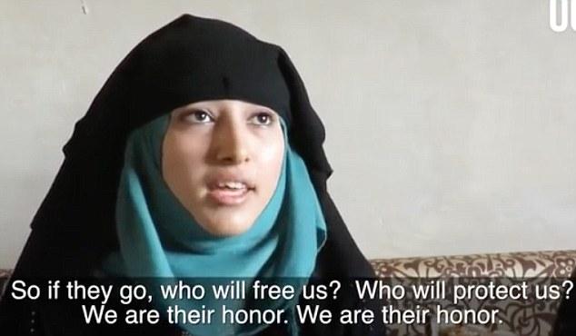 Οι Σύριες γυναίκες καταγγέλλουν τους άνδρες που τις εγκαταλείπουν για μια καλύτερη ζωή στην Ευρώπη: «Ποιος θα μας ελευθερώσει; Ποιος θα μας προστατέψει; Είναι λάθος να εγκαταλείπεις την πατρίδα σου..»
