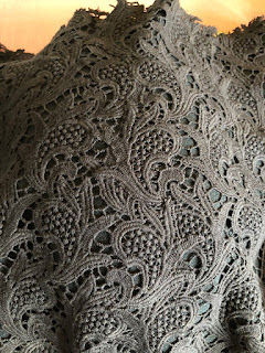 LACE 2 METRES 70CMS 5CM/'S WIDE APPROX. GUIPURE NAVY BLUE CROCHET TRIM