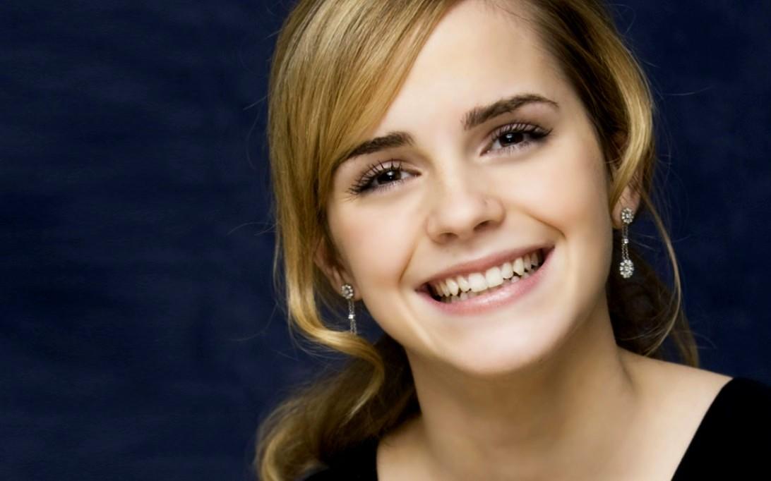 emma watson wallpapers in harry potter. Emma Watson (Wallpaper 2)