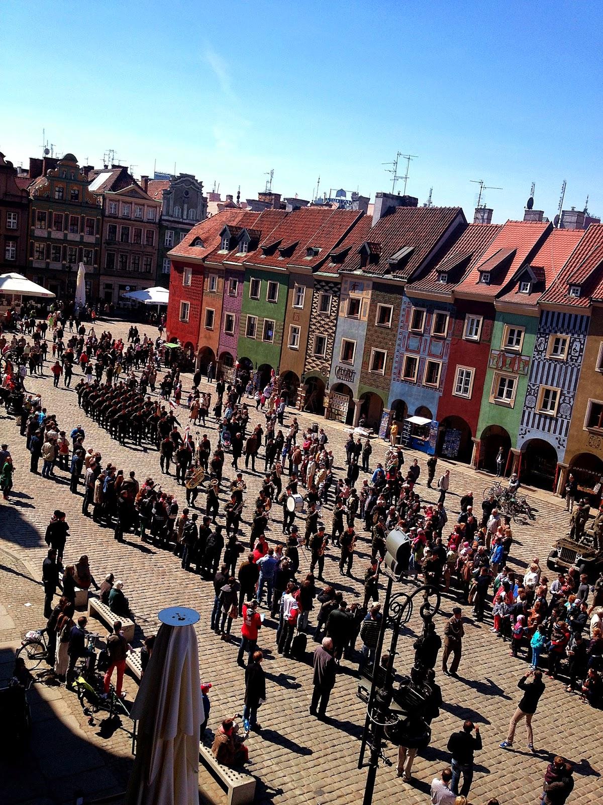 Poznań rynek kamienice kolory