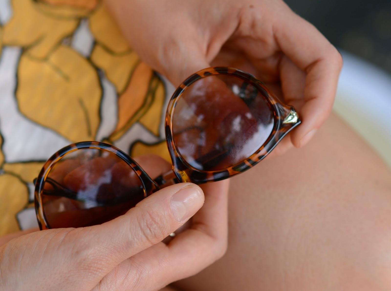 karen, walker, sunglasses