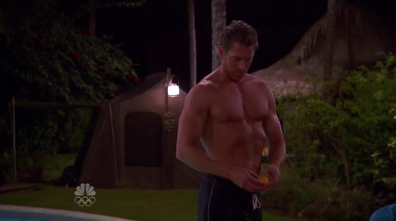 Tim Parrish Shirtless in Love in the Wild s2e01