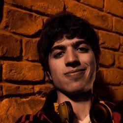 Segunda-Feira: Renato Iazul