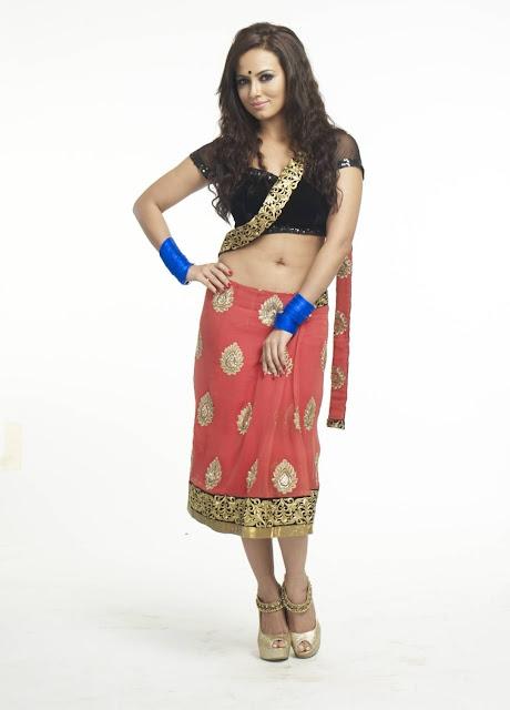 Actress Sana Khan navel show Photos
