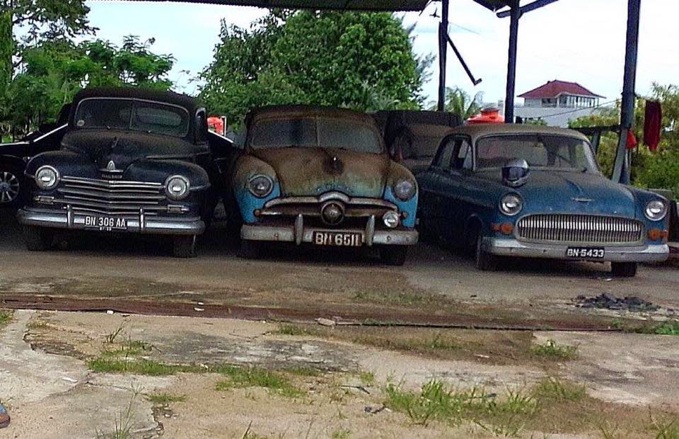 mobil klasik bekas mobil antik dijual mobil klasik dan. Black Bedroom Furniture Sets. Home Design Ideas