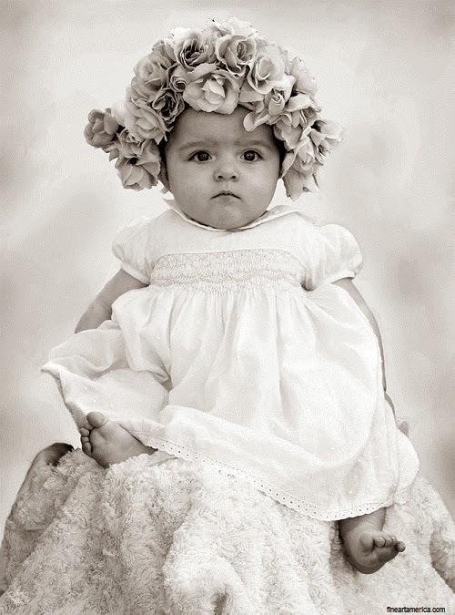 Photo bébé fille noir et blanc