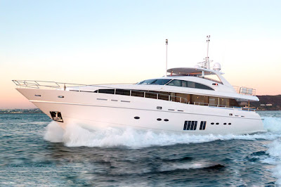 LMVH 32MTR Yacht