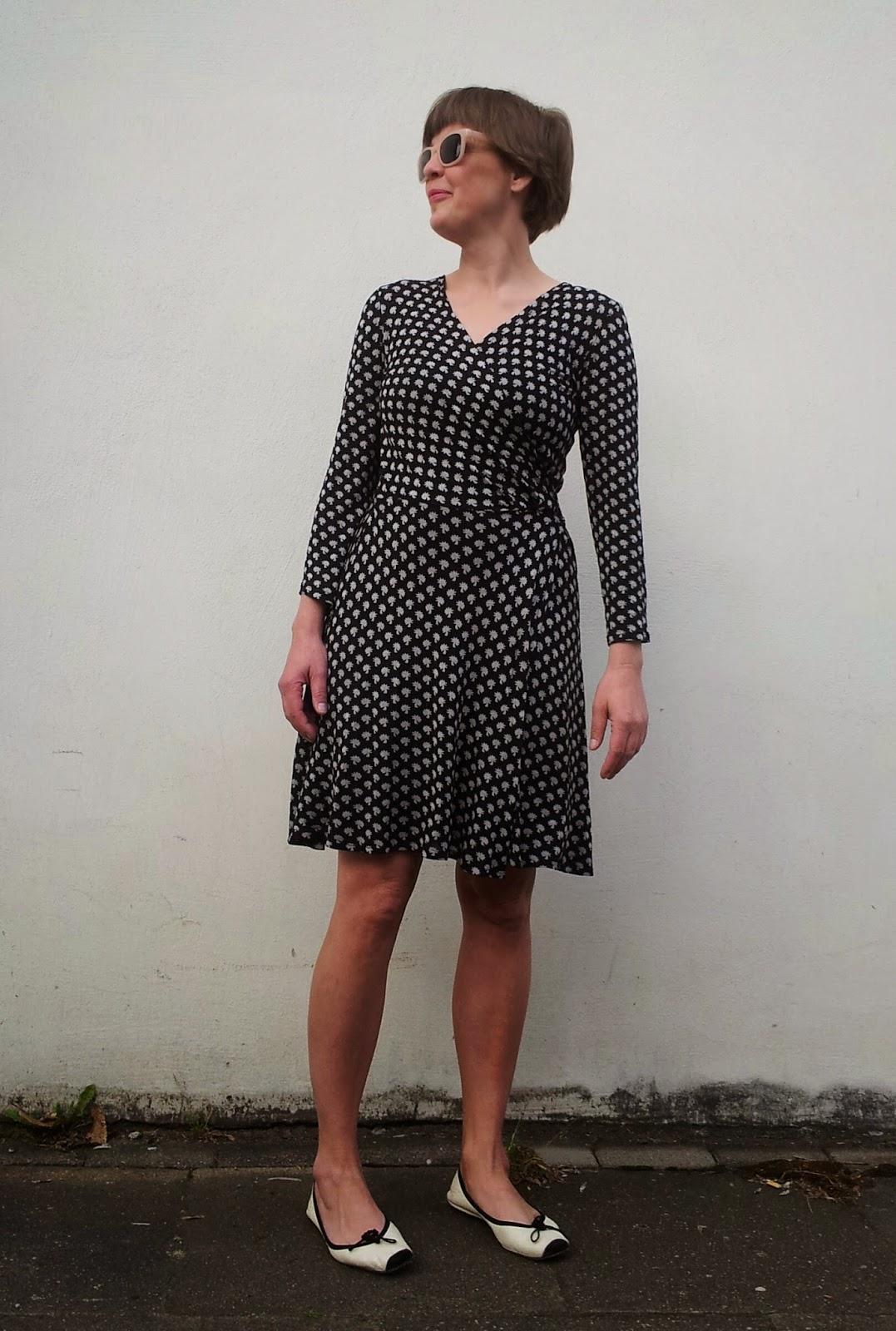 bunte kleider: MMM 16 Wickelkleid Vogue 8379
