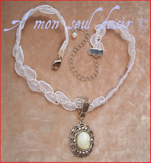 Collier mariage elfique opale blanche Arwen Galadriel dentelle white opal elven elf bridal necklace moonlight