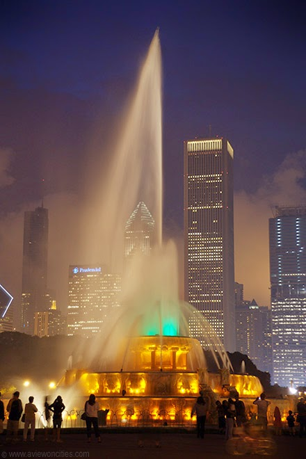 Buckingham-Fountain-night