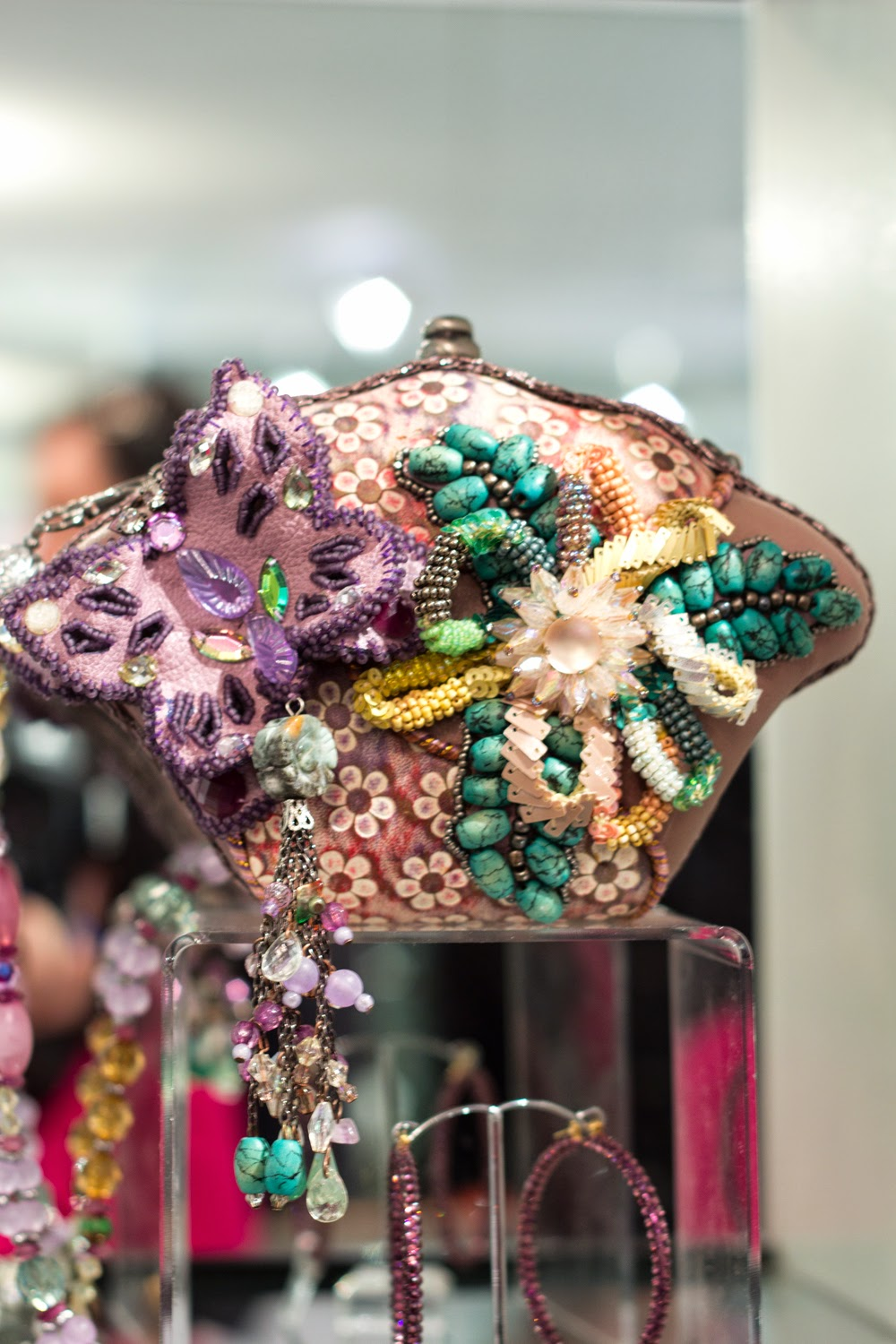 artemis-pop-up-jewellery-store-in-yorkville, statement-artistic-clutch-purpse