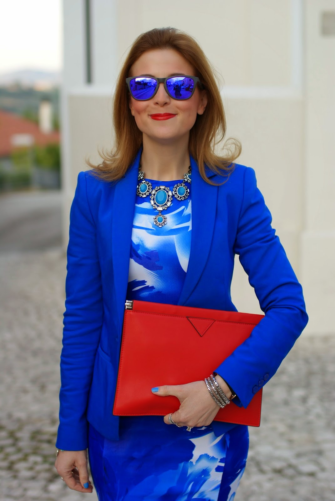 Zara blue necklace, blackfive dress, Oakley blue mirror sunglasses, Fashion and Cookies, fashion blogger