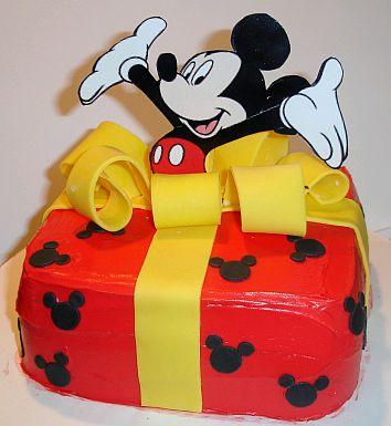 Dos Modelos De Tortas De Un Piso  Decoradas Con La Casa De Mickey