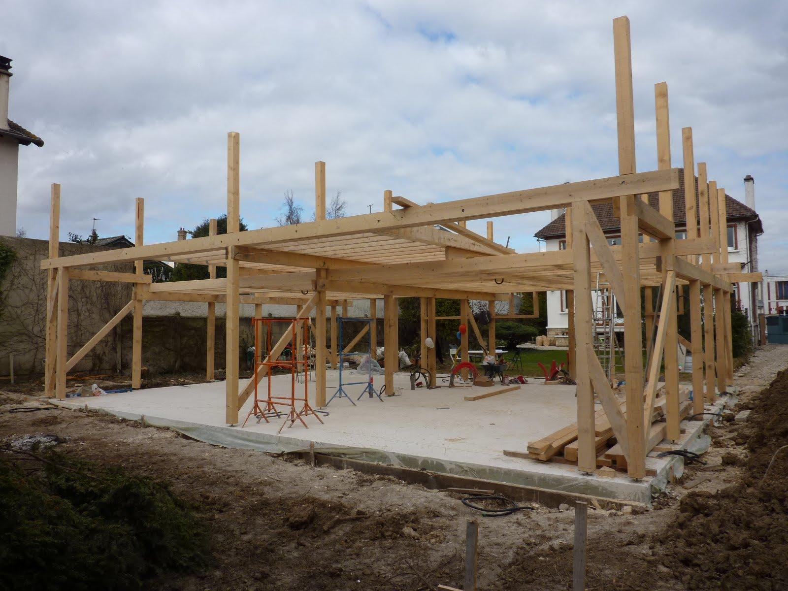 Maison poteau bois et remplissage chanvre cachan 94 for Architecture en bois