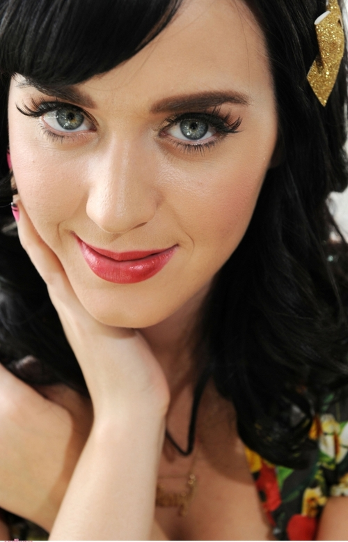 Who is Lolita from Katy Perrys One of the Boys?